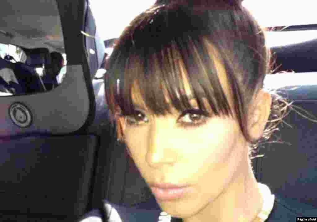 """A socialite americana, também casada com o rapper Kanye West, Kim Kardashian, é uma adepta ferrenha das """"selfies"""". Dica: as """"selfies"""" a conduzir são das mais populares"""