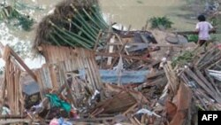 Filipine: Të paktën 650 të vdekur nga stuhia tropikale