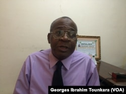 Victorien Koné, directeur de la direction pour la promotion des handicapés attend beaucoup du nouveau code du travail, à Abidjan, le 9 novembre 2017. (VOA/Georges Ibrahim Tounkara)