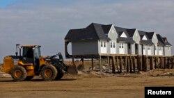 La construcción y compra de nuevas viviendas sigue siendo lenta, a pesar de los bajos intereses que deberían atraer a más compradores.