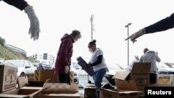 Volonteri banke hrane u San Francisku (Foto: Rojters)