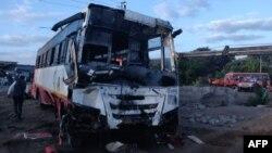 Bus yang ringsek akibat kecelakaan di Meshi Phata, Malegaon Deola Road (distrik Nashik Maharashtra), India, 28 Januari 2020.