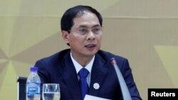 """Bộ trưởng Ngoại giao Bùi Thanh Sơn nói công tác """"ngoại giao vaccine"""" là """"điểm sáng nhất của ngoại giao kinh tế"""" của Việt Nam trong thời gian qua."""