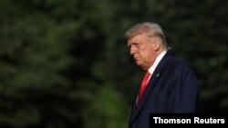 El presidente Trump ha movido las fichas en su equipo de campaña buscando rebasar los escollos que lo mantienen en un puntaje menor -según las encuestas- que el de su probable oponente el ex vicepresidente Joe Biden.