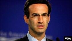 Kepala Kantor Manajemen dan Anggaran AS, Peter Orszag.
