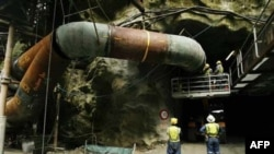 Mỏ than Pike River nằm ở độ sâu khoảng 2km dưới một dãy núi
