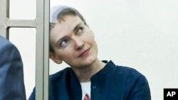 21일 우크라이나 동부 도네츠크 수용소에 감금 중인 우크라이나 여성 공군 조종사 나데즈다 사브첸코. (자료사진)