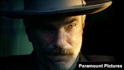 دنیل دی لوئیس در «خون به پا خواهد شد» از پال تامس اندرسن