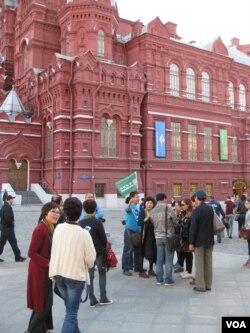 莫斯科红场上的中国游客。