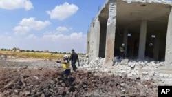 Foto cedida pelos Capacetes Brancos sírios - cidade de Maaret al-Numan, província Idlib, Síria. 22 de Agosto, 2019