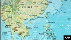 Các tàu đánh cá Philippines tịch thu từ ngư dân bị bắt hồi tháng 5 trong vùng biển ngoài khơi Palawan mà Philippines cho là thuộc hải phận của mình