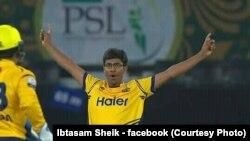 ابتسام شیخ، پشاور زلمی کی طرف سے پاکستان سپر لیگ میں کھیل رہے ہیں۔