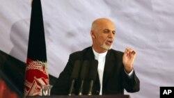 Presiden terpilih Afghanistan, Ashraf Ghani Ahmadzai saat menyampaikan sambutan kemenangannya di Kabul (22/9).