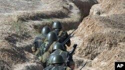 Jermenska vojska u spornoj oblasti Nagorno Karabah 2004. godine