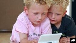 3-Д игрите штетни за помладите деца, предупредува Нинтендо