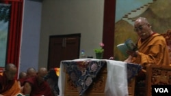Dalai Lama Begins Two Days Youth Teaching in Dharamsala
