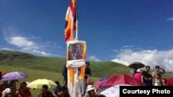 本月初在四川省甘孜藏族自治州慶祝達賴喇嘛生日