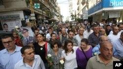 黎巴嫩情報首腦哈桑星期六遇害之後﹐ 示威者在貝魯特舉行抗議活動