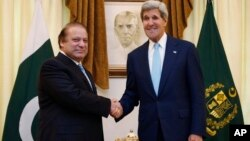 U.S. Secretary of State John Kerry, right, meets with Pakistan's Prime Minister Nawaz Sharif in Islamabad, Pakistan, Aug. 1, 2013.