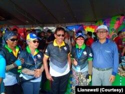 Lianawati bersama Sultan Brunei Bolkiah, ketika lomba di Brunei tahun 2018. (Foto: Courtesy/Lianawati)