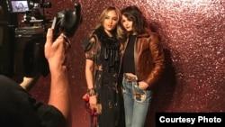 Cinta Laura dan Selena Gomez di New York. (Foto dok.: Cinta Laura)