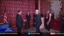 Presidenti Nishani nderon shqiptarët e Amerikës