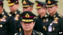 Tân Thủ tướng Thái Lan Prayuth Chan-ocha đến dự kỷ niệm thành lập trung đoàn bộ binh 21 trong tỉnh Chonburi