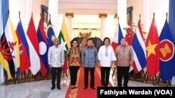 Wapres Jusuf Kalla pada Jumat (18/10) meresmikan lembaga dana kerjasama pembangunan internasional