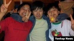 라오스에서 강제 북송된 탈북 청소년 9명이 중국 거처에서 지낼 당시의 모습들을 박선영 한국 동국대 교수가 공개했다.