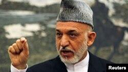 Presiden Afghanistan Hamid Karzai menerima keputusan parlemen untuk memberhentikan dua menterinya (foto: dok).