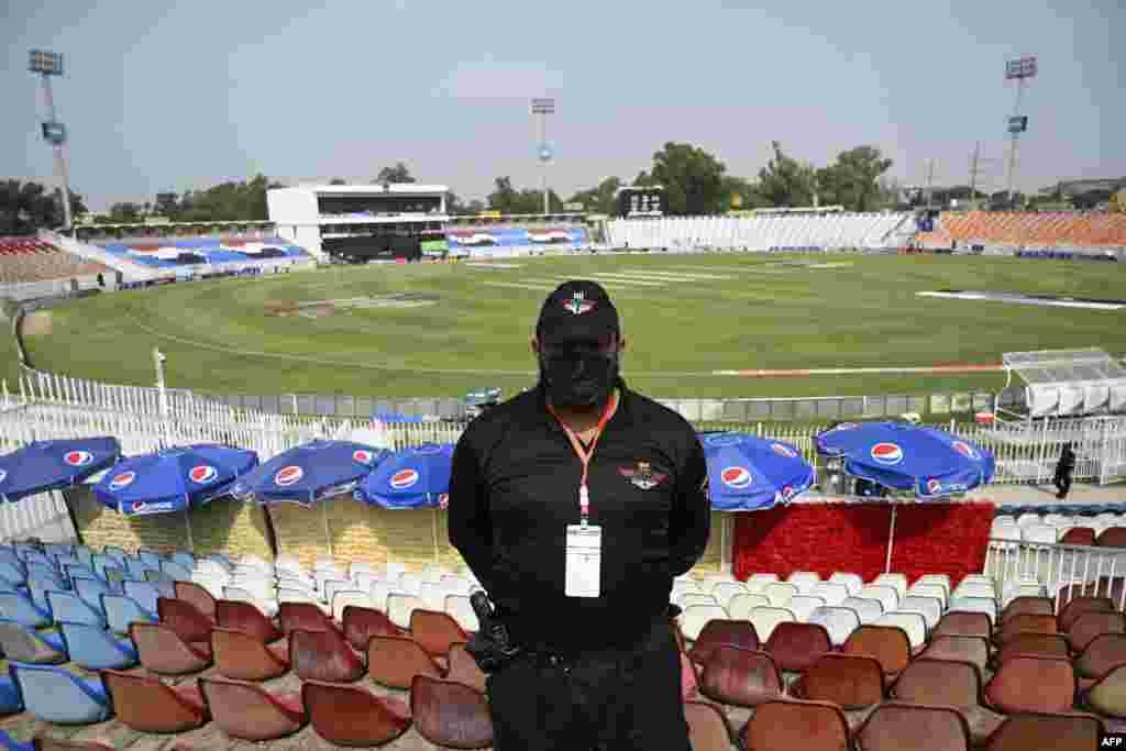 راولپنڈی کرکٹ اسٹیڈیم میں پاکستان اور نیوزی لینڈ کے درمیان جمعرات کو پہلا ون ڈے میچ کھیلا جانا تھا۔