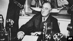 罗斯福总统在华盛顿特区参加广播聊天节目