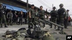 那拉提瓦省市場發生爆炸後軍警封鎖現場