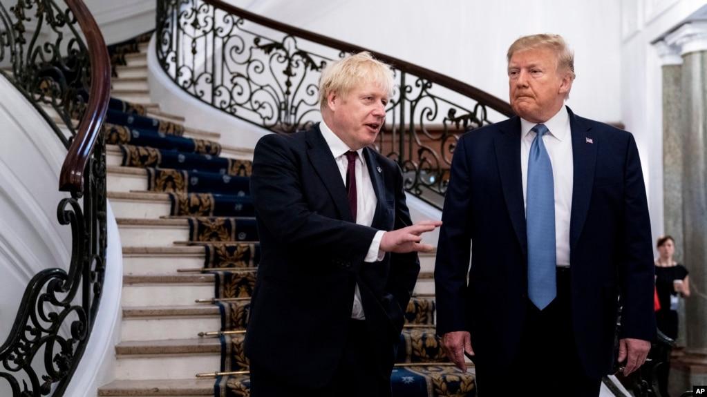 Thủ tướng Anh Boris Johnson và Tổng thống Mỹ Donald Trump bên lề thượng đỉnh G-7 tại Biarritz, Pháp, ngày 25/8/2019.