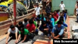 Ngư dân Việt Nam bị Malaysia bắt giữ trong các cuộc tuần tra ngày 10/3 và 11/3. (Ảnh: NST). Ảnh chụp màn hình trang web vnexpress.net