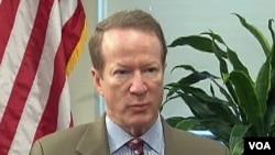ویلیام بروان فیلد، معین وزارت خارجه ایالات متحده در امور مخدرات و تنفیذقانون
