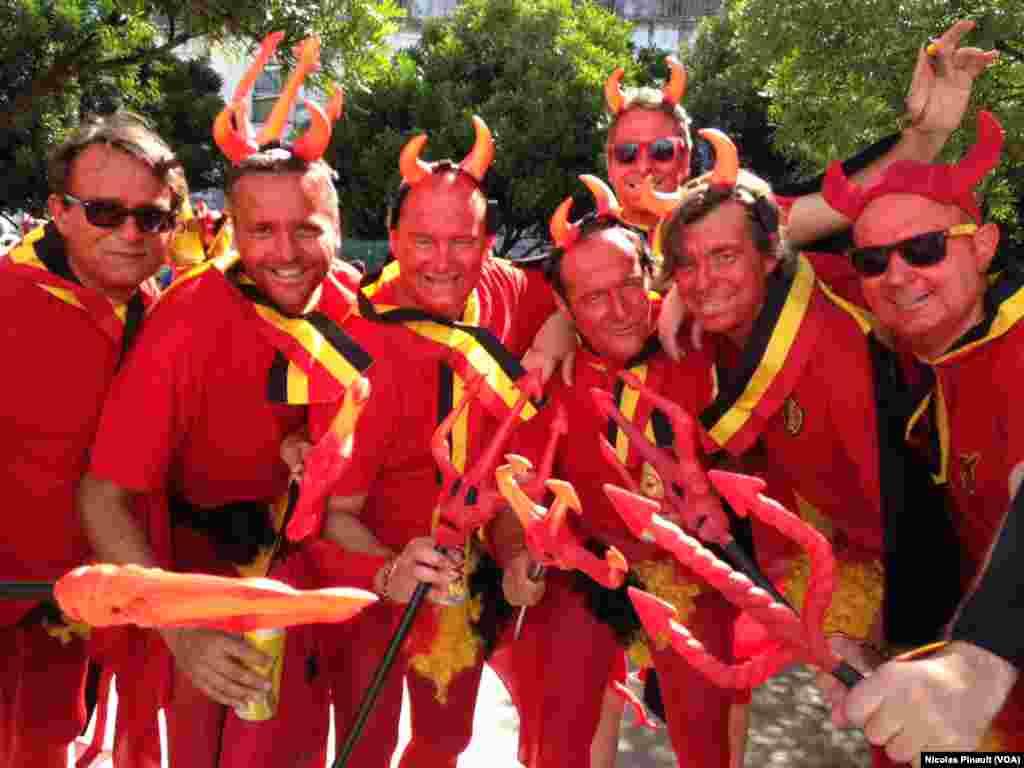 L'équipe belge est aussi surnommé les Diable rouges.