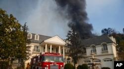 Les propriétés directement menacées par les flammes