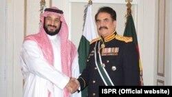 راحیل شریف سعودی وزیرِ دفاع محمف بن سلمان کے ساتھ (فائل فوٹو)