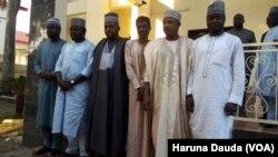 Gwamnan Borno Kashim Shetima (tsakiya) a lokacin da ya gana da shugabannin kungiyoyin matasan Arewa