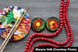 Сережки, розписані Мариною