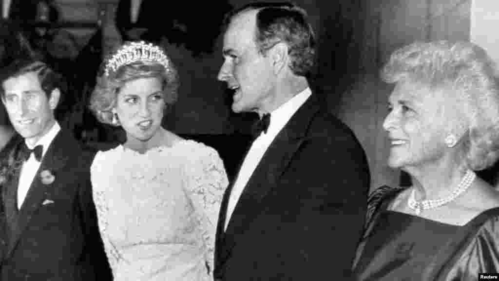 ვიცე-პრეზიდენტი ჯორჯ ბუში ბრიტანეთის სამეფო წყვილთან ერთად. 1985 წელი.