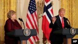 美国总统川普2018年1月10日在华盛顿白宫东厅与挪威首相索尔贝格举行的联合新闻发布会上讲话。