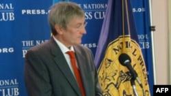 Дослідник Найджел Коулі в Національному прес-клубі США. Вашингтон.