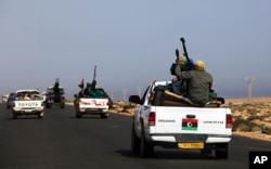 反抗军车队向卡扎菲故乡苏尔特进发