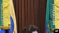 巴西总统迪尔玛.罗塞夫3月15日在巴西召开的公民论坛上讲话