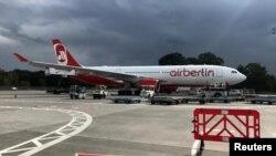 یک هواپیمای خط ایربرلین در فرودگاه تگال پایتخت آلمان.