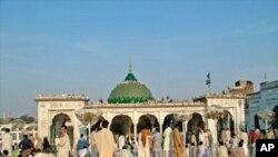 مزار داتا گنج بخش، لاہور