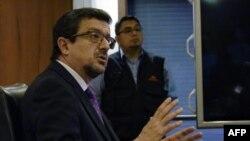 El fiscal general de Ecuador, Íñigo Salvador, habla durante una conferencia de prensa en Quito, el 25 de octubre de 2018.