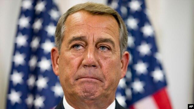 Chủ tịch Hạ viện John Boehner trong một cuộc họp báo với các thành viên của ban lãnh đạo đảng Cộng hòa tại Quốc hội.